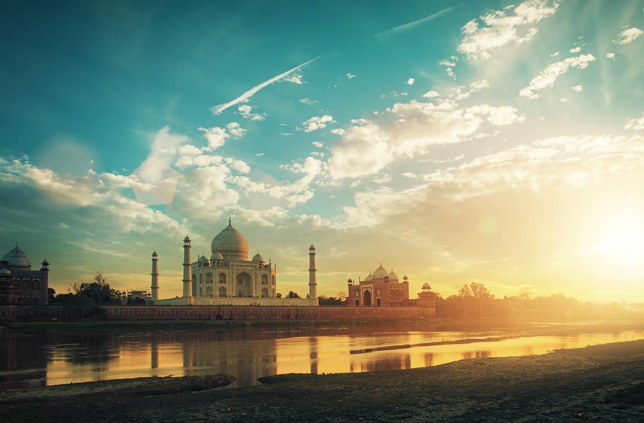 Taj Mahal is spread in 42 acres land