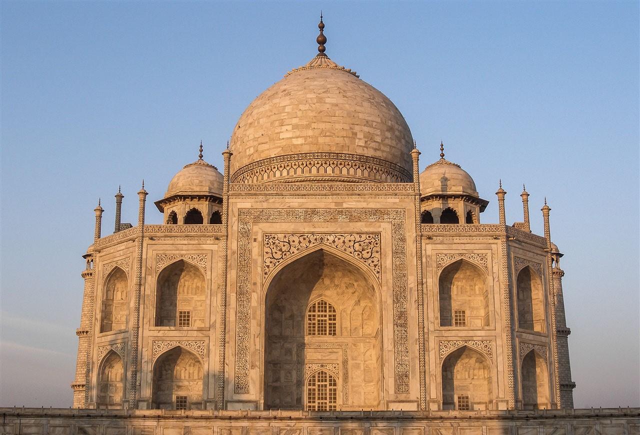 Pollution turning Taj Mahal yellow