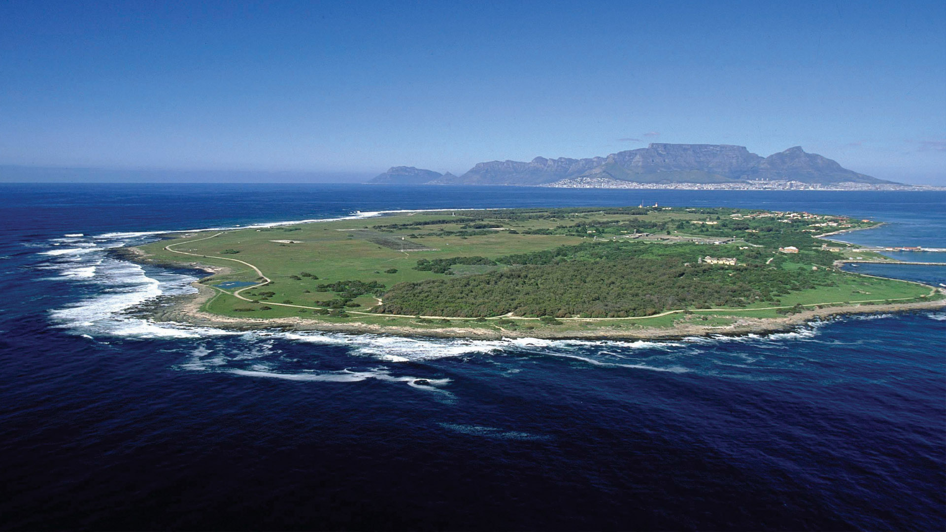 Cape Town is the fifth in line for having the best blue sky on earth, according to the UK's National Physical Laboratory.