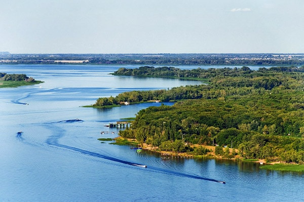 Russian Volga is the longest river of Europe which is located in Russia.