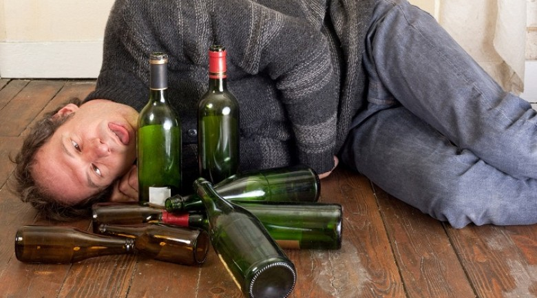There are over 500,000 alcohol-related deaths in Russia each year.