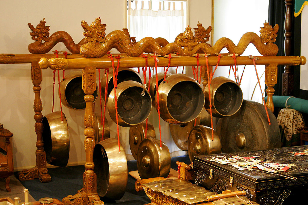 Traditional gongs are used to call the Vietnamese children to school.