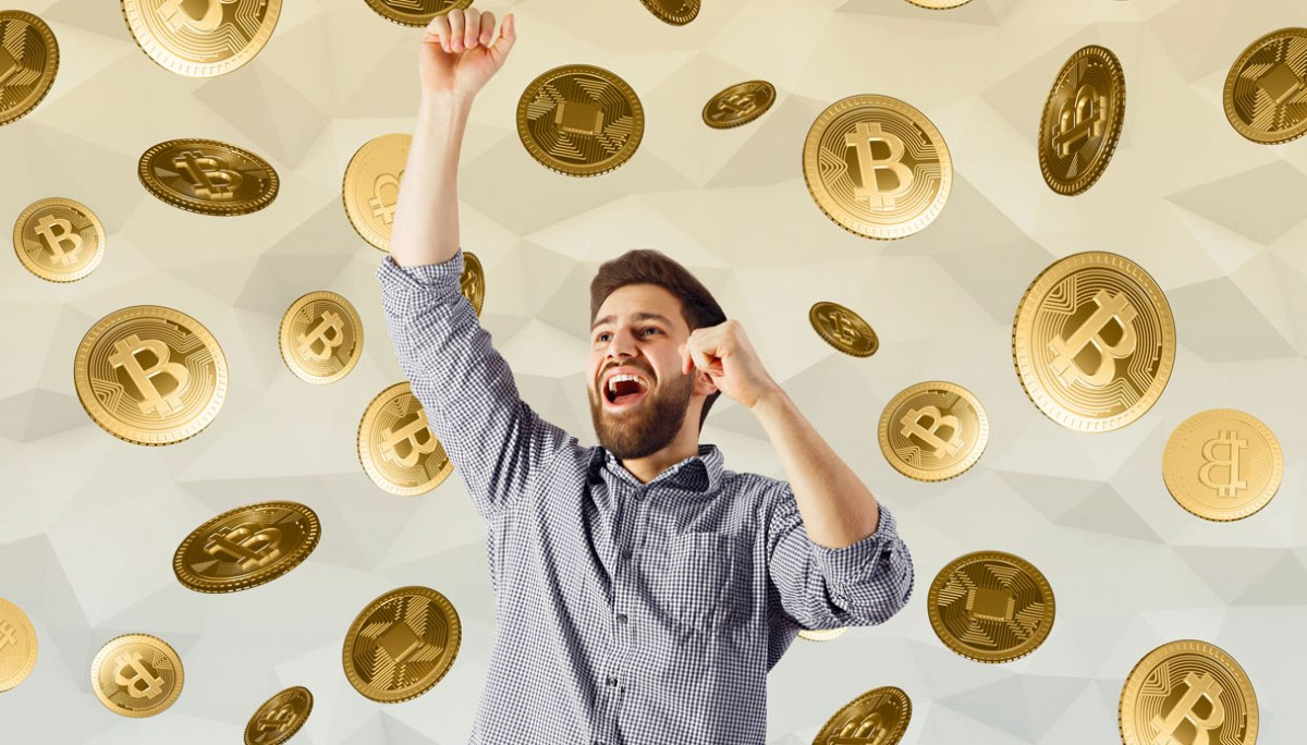 By playing Blockchain game, you can earn extra Bitcoins.