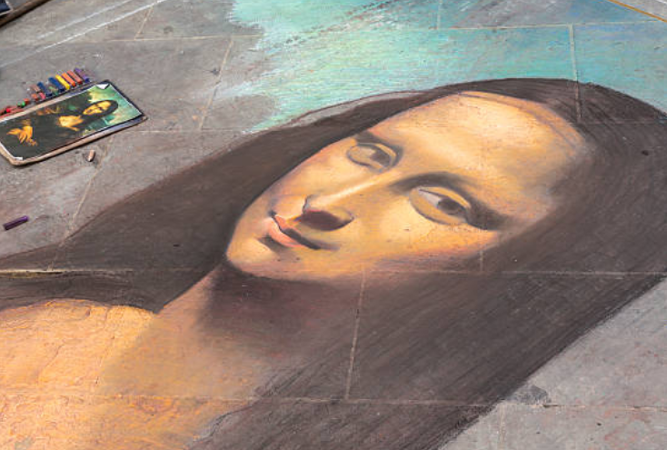Leonardo took about ten years to paint Mona Lisa's lips.