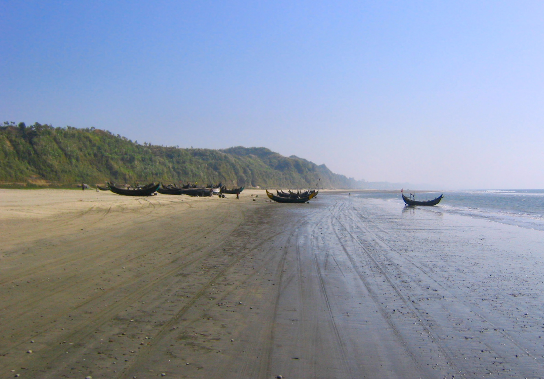 Bazar Beach is 75 miles long and is one of the longest beaches in the world.